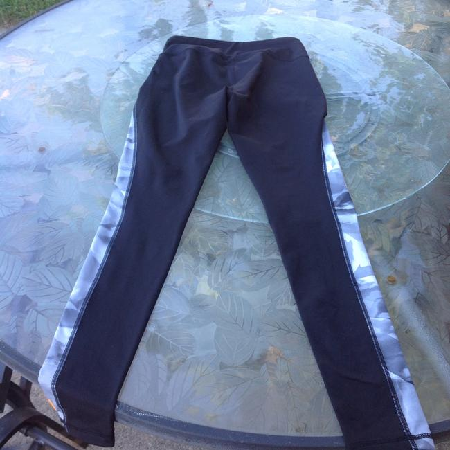 lucy Lucy activewear black multi legging size small/petite Image 2