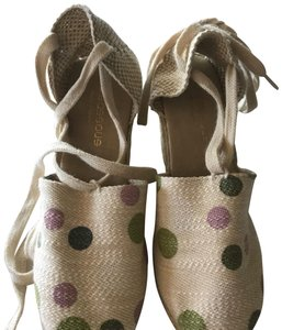 Andre Assous Colored dot pattern Wedges