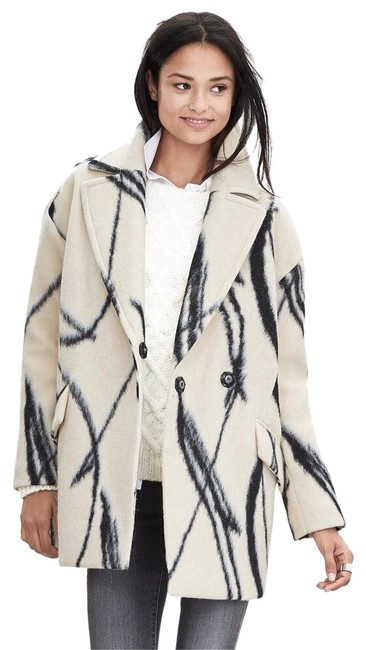Item - White and Black Cocoon Xo Coat Size 4 (S)