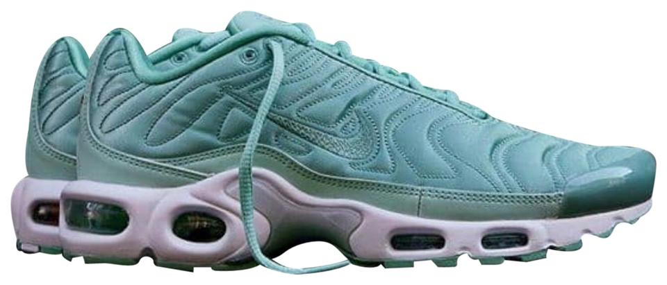 attractive price authentic quality Nike Sea Green Air Max Plus Sneakers Size US 7.5 Regular (M, B) 42% off  retail