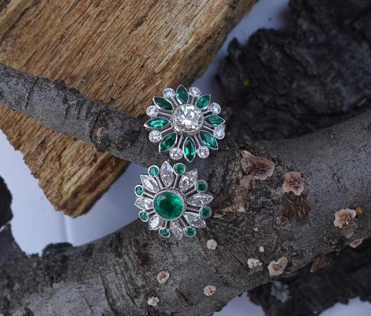 Handmade Emeralds And Diamonds Spinning Double Flower Ring in Platinum Image 1