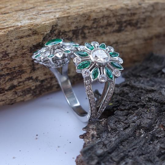 Handmade Emeralds And Diamonds Spinning Double Flower Ring in Platinum Image 2
