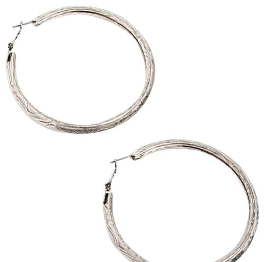 Preload https://img-static.tradesy.com/item/23651595/free-people-silver-sculpted-hoop-earrings-0-1-540-540.jpg
