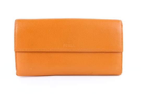 Preload https://img-static.tradesy.com/item/23651785/furla-long-bifold-flap-wallet-859706-orange-leather-clutch-0-0-540-540.jpg