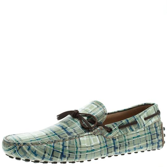 Preload https://img-static.tradesy.com/item/23651798/tod-s-multicolor-abstract-print-leather-bow-loafers-flats-size-eu-425-approx-us-125-regular-m-b-0-0-540-540.jpg