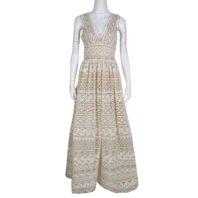 Preload https://item3.tradesy.com/images/elie-saab-ivorybeige-embroidered-guipure-lace-plunge-neck-sleeveless-formal-dress-size-6-s-23652012-0-0.jpg?width=400&height=650