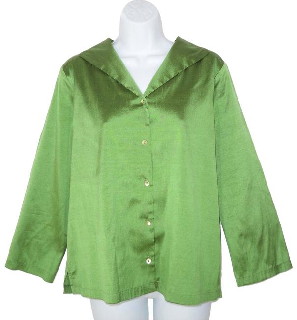 Preload https://img-static.tradesy.com/item/23652238/eileen-fisher-green-silk-shantung-button-down-top-size-8-m-0-1-650-650.jpg