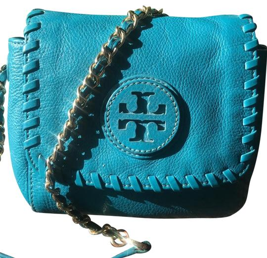 Preload https://img-static.tradesy.com/item/23652434/tory-burch-marion-whip-stitch-detail-deep-blue-turquoise-pebbled-leather-cross-body-bag-0-1-540-540.jpg