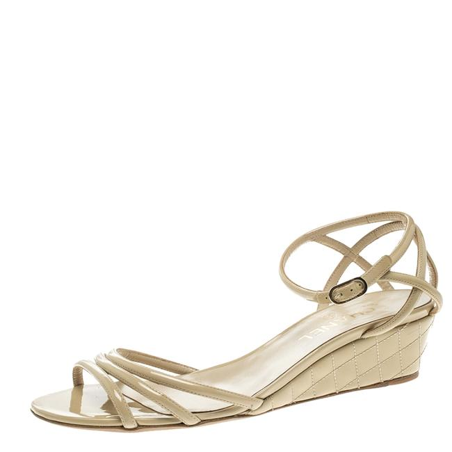 Item - Beige Patent Leather Ankle Strap Quilted Wedge Open Sandals Size EU 41 (Approx. US 11) Regular (M, B)