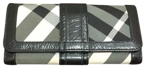 Burberry continental check wallet and leather