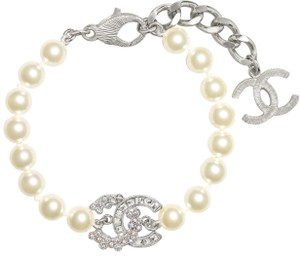Chanel NEW Chanel pearls with crystals bracelet 2018