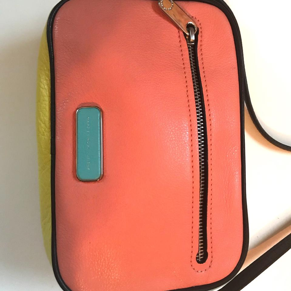 marc by marc jacobs spring 2015 collection color block coral blue