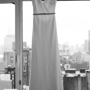 BHLDN Ivory Classic Simple Gown Modern Wedding Dress Size 4 (S)