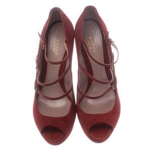 7cfd3abff85 Red Gucci Pumps - Up to 90% off at Tradesy