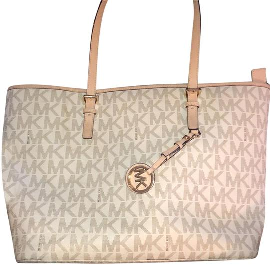 Preload https://img-static.tradesy.com/item/23660747/michael-kors-handbag-cream-and-pink-tote-0-1-540-540.jpg