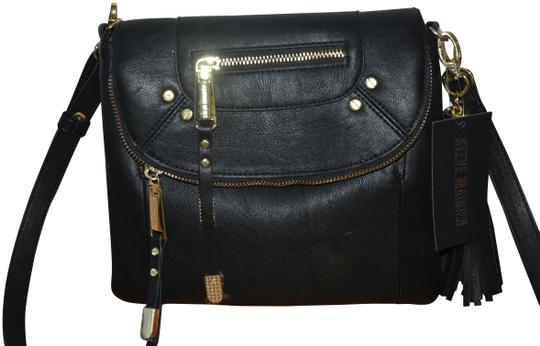 Preload https://item1.tradesy.com/images/steve-madden-bkensie-convertible-clutch-purse-black-gold-faux-leather-cross-body-bag-23660750-0-1.jpg?width=440&height=440