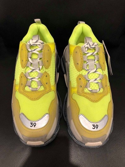 Balenciaga Triple Speed Trainer Sneaker Flat yellow Athletic