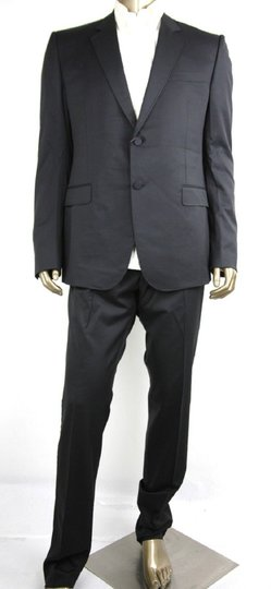 Preload https://item5.tradesy.com/images/gucci-black-wool-marseille-button-1-vent-it-48lus-38l-270554-tuxedo-23660849-0-0.jpg?width=440&height=440