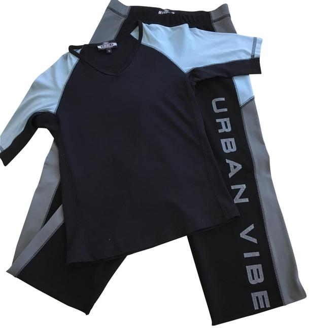 Preload https://item1.tradesy.com/images/athletic-wear-activewear-bottoms-size-4-s-23660895-0-1.jpg?width=400&height=650