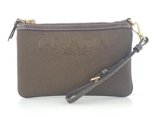 Preload https://img-static.tradesy.com/item/23660908/prada-logo-brown-canvas-wristlet-0-1-540-540.jpg