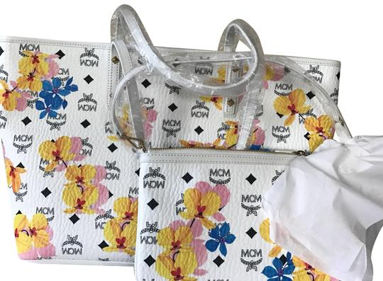 Preload https://item3.tradesy.com/images/mcm-essential-floral-print-white-leather-tote-23660917-0-1.jpg?width=440&height=440