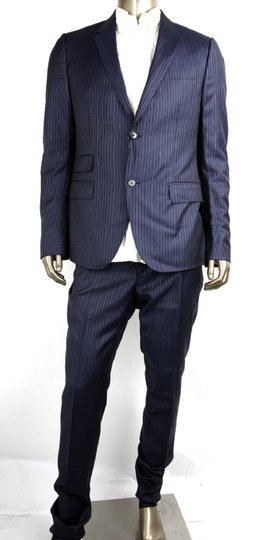 Preload https://item1.tradesy.com/images/gucci-blue-striped-wool-suit-2-button-2-vents-it-52rus-42r-353232-4240-groomsman-gift-23660930-0-0.jpg?width=440&height=440