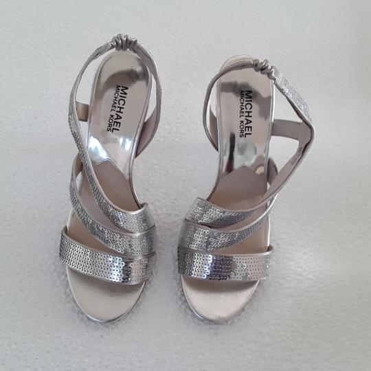 Preload https://item5.tradesy.com/images/michael-michael-kors-silver-sequence-formal-shoes-size-us-8-regular-m-b-23661054-0-0.jpg?width=440&height=440
