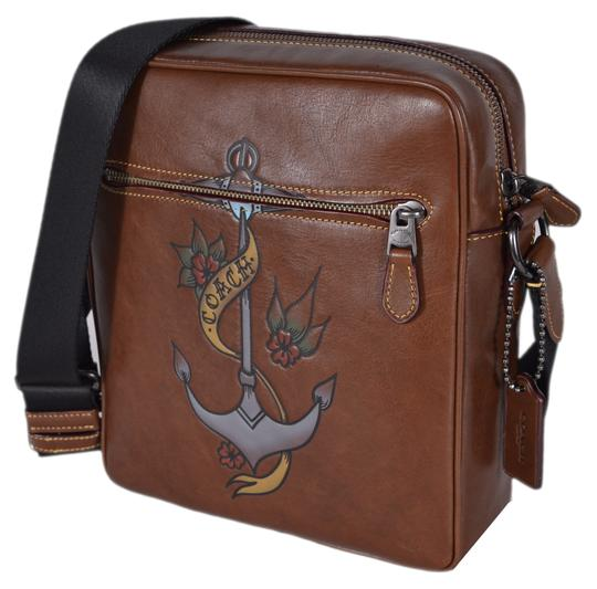 Preload https://item2.tradesy.com/images/coach-metropolitan-26052-flight-with-tattoo-tooling-brown-leather-messenger-bag-23661061-0-0.jpg?width=440&height=440