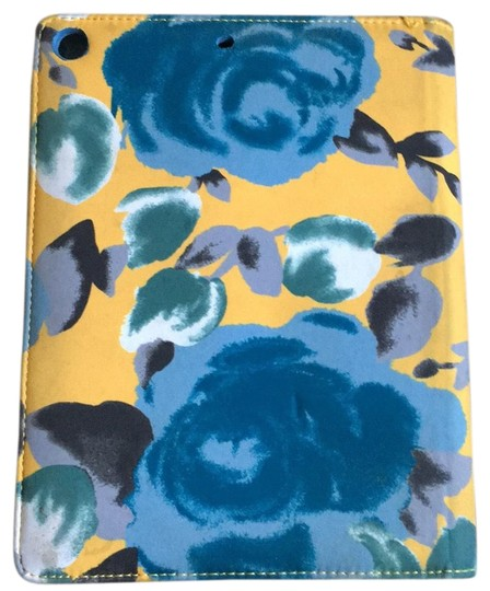 Preload https://img-static.tradesy.com/item/23661067/marc-by-marc-jacobs-yellow-and-blue-ipad-case-tech-accessory-0-4-540-540.jpg