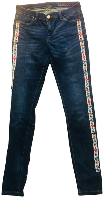 Preload https://item4.tradesy.com/images/blanknyc-blue-medium-wash-denim-in-burial-ground-w-whiskered-fade-detail-skinny-jeans-size-28-4-s-23661098-0-1.jpg?width=400&height=650