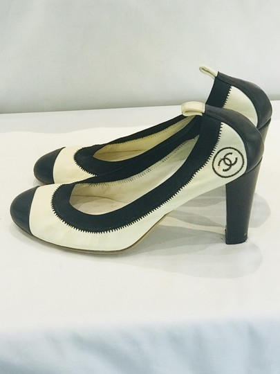 Chanel Pumps