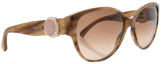Preload https://img-static.tradesy.com/item/23661200/chanel-brown-gold-pink-5192-collection-bouton-button-cc-wayfarer-cateye-cat-eye-oval-round-sunglasse-0-1-540-540.jpg