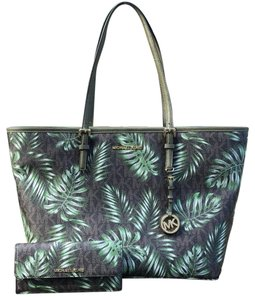 Michael Kors Tote in Brown/ Olive Green