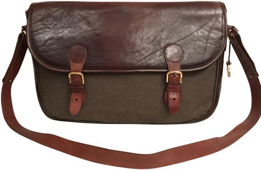 Preload https://img-static.tradesy.com/item/23661233/brahmin-rare-distressed-business-tote-brown-leather-messenger-bag-0-1-540-540.jpg