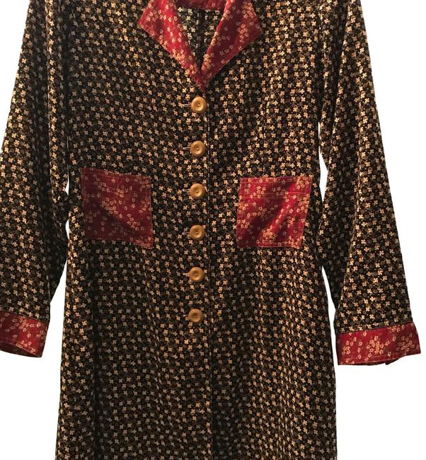 Item - Black with Floral Pattern Burgundy Collar and Cuffs Duster/Shirt Mid-length Short Casual Dress Size 12 (L)