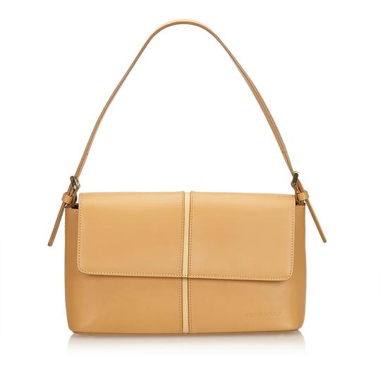 Preload https://img-static.tradesy.com/item/23661368/burberry-handbag-brown-leather-x-others-baguette-0-0-540-540.jpg