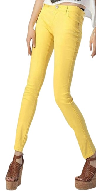 Preload https://img-static.tradesy.com/item/23661392/abercrombie-and-fitch-yellow-skinny-jeans-size-25-2-xs-0-1-650-650.jpg