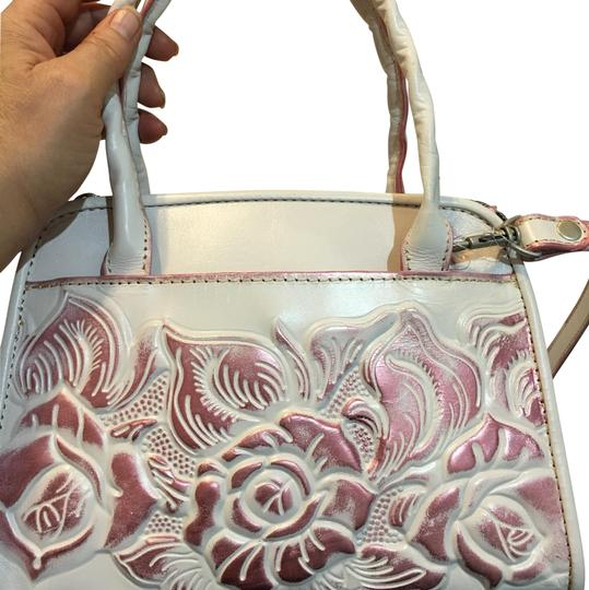 Preload https://img-static.tradesy.com/item/23661494/patricia-nash-designs-pink-and-white-leather-metal-tote-0-1-540-540.jpg