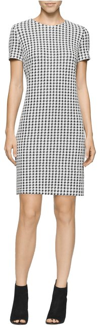 Preload https://img-static.tradesy.com/item/23661579/calvin-klein-black-and-white-mid-length-workoffice-dress-size-6-s-0-1-650-650.jpg