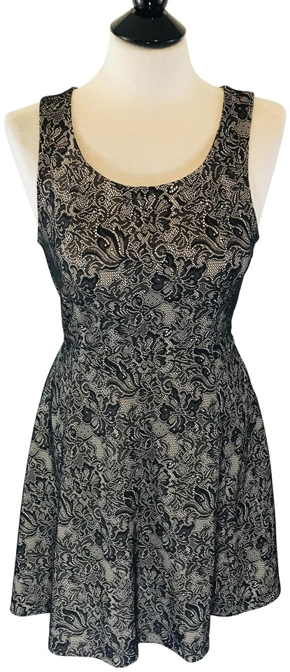 8a97aaa202185 Express Black/Cream Sleeveless Fit and Flare Floral Lace Mid-length ...