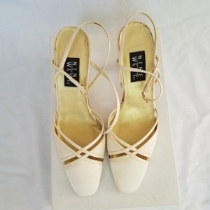 b9037c8d22 Women's Yellow Nine West Shoes