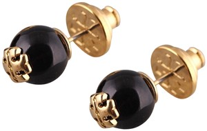 Tory Burch Brand New! Tory Burch pearl stud Earrings