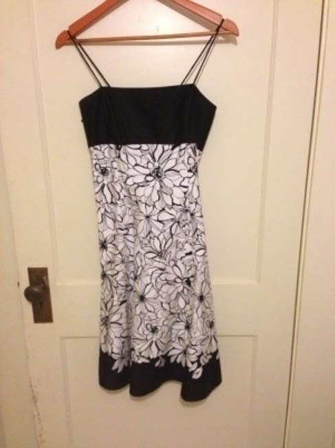 Preload https://item1.tradesy.com/images/jones-new-york-blackwhite-spaghetti-strap-floral-above-knee-short-casual-dress-size-8-m-23665-0-0.jpg?width=400&height=650
