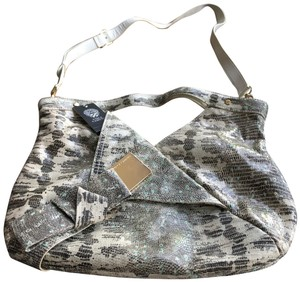 Vince Camuto Tote in brown/ cream