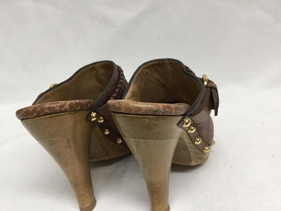 5796e89fe3f Gucci Brown Gg Monogram with Gold Buckle Mules Slides. Size  EU 36 ...