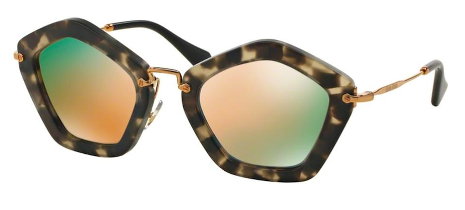 f28baa0eb1 Women s Sunglasses - Up to 70% off at Tradesy