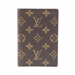 Louis Vuitton Louis Vuitton Monogram Passport Cover