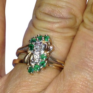 Zales zales 10k emerald ring. (one day sale )