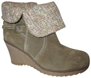 27bc1dfb90b4 Bjorndal Suede Wedge Ankle 001 brown Boots