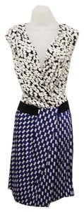 Diane von Furstenberg Silk V-neck Knife Pleats Dress